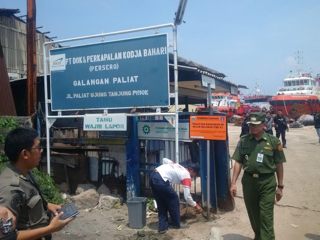 Pemasangan Plang Tunggakan PBB di Wilayah Tanjung Priok dan Jakarta Utara
