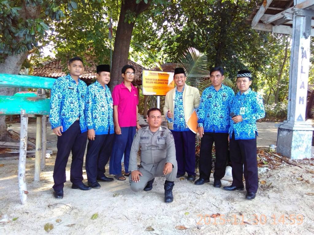 Pemasangan Plang Tunggakan PBB di Pulau Kotok Besar
