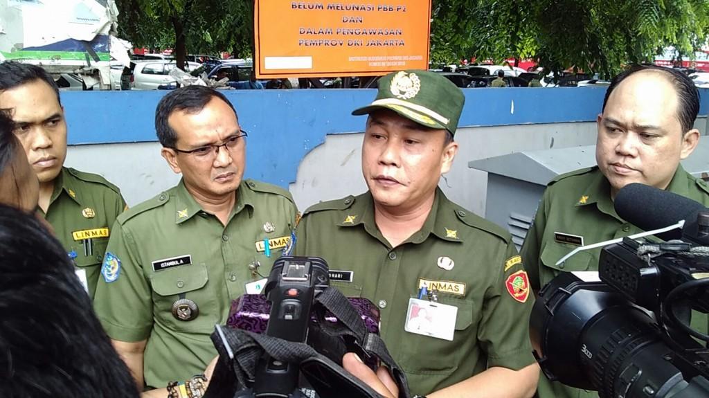 Pemasangan Plang Tunggakan PBB di Jakarta Selatan