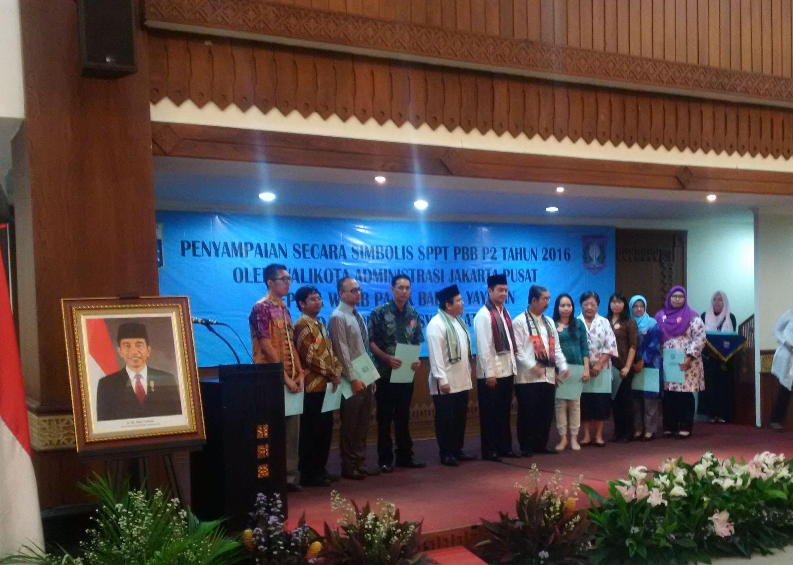 Penyampaian Simbolis SPPT PBB di Jakarta Pusat