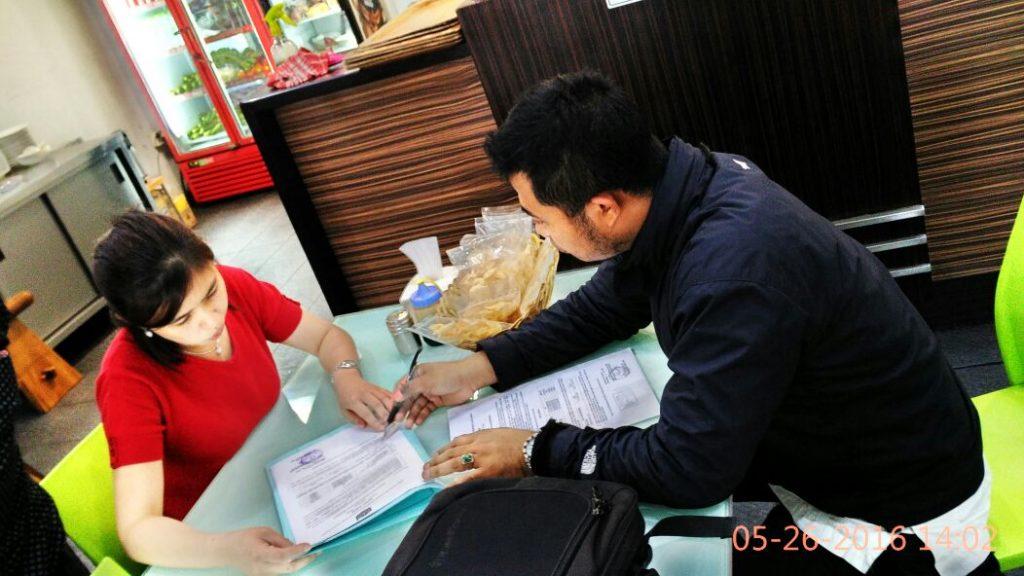 Petugas Sudin Pajak Jakbar kunjungi WP untuk Online System