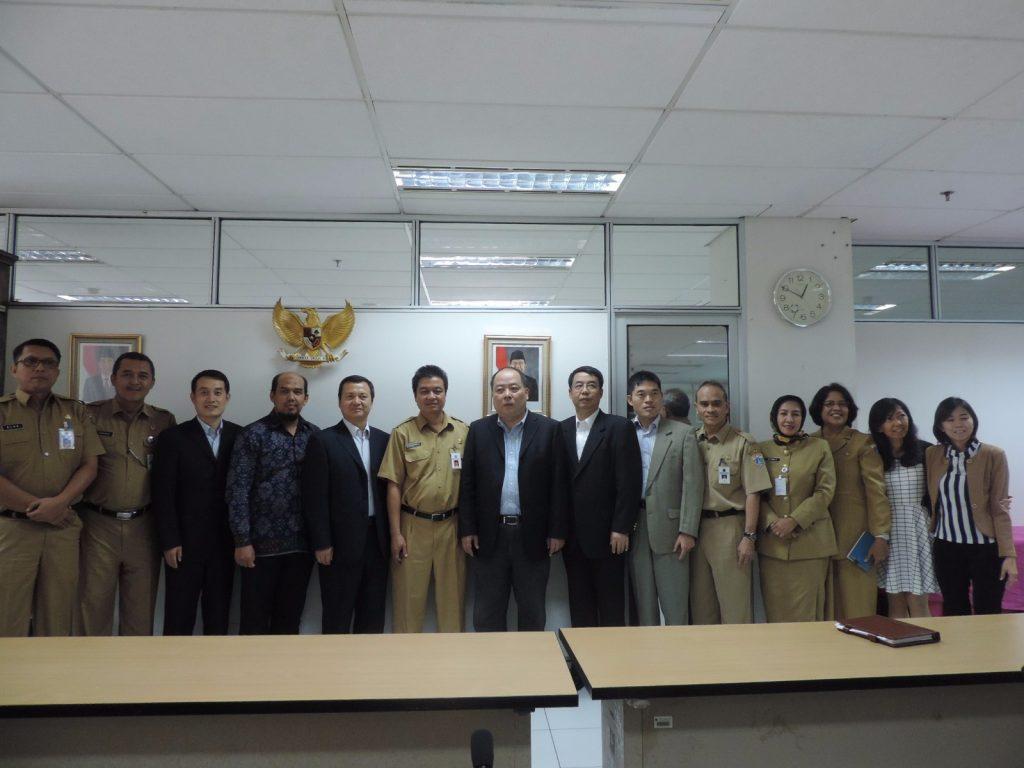 Delegasi RRT, Kemenkeu RI dan DPP DKI foto bersama
