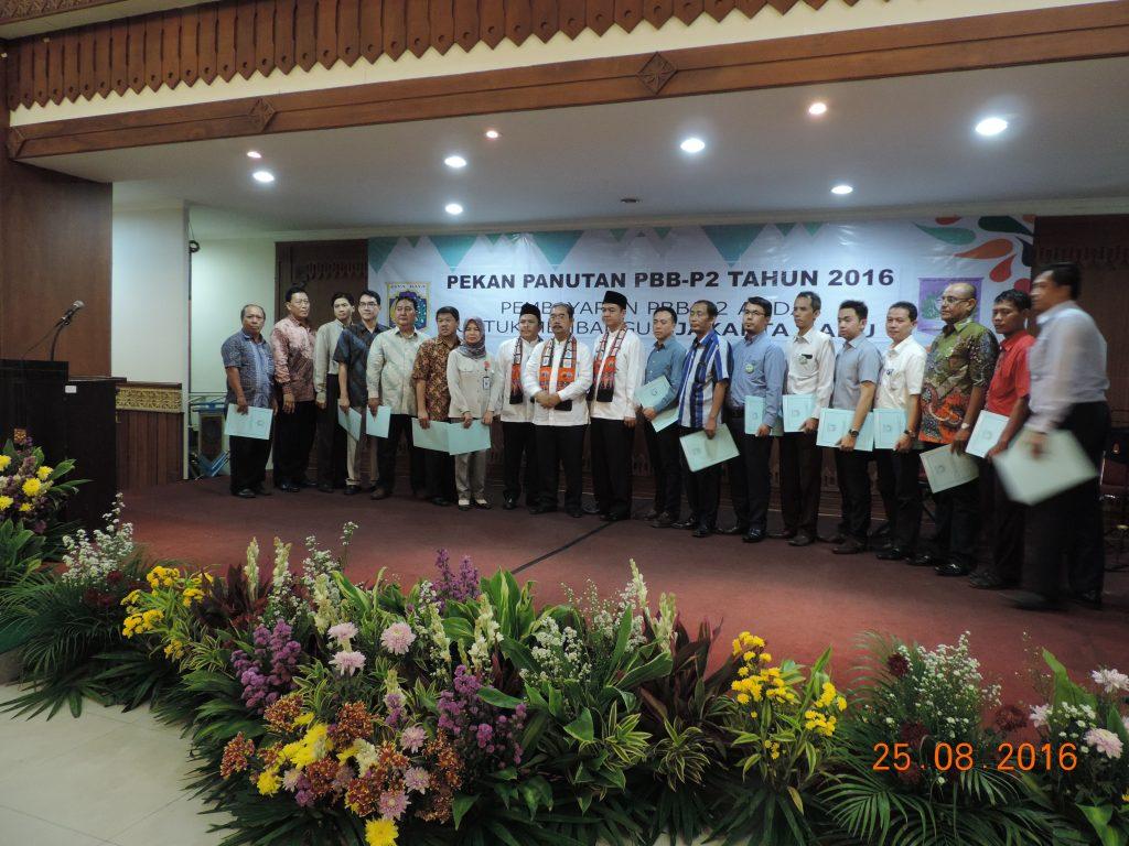 WP simbolis penerima piagam penghargaan PBB dari Walikota Jakarta Pusat