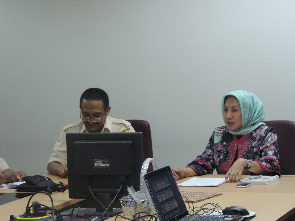 Ka. Dispenda Kupang Jefri Pelt dan Ka. Humas DPP Erma Sulistianingsih