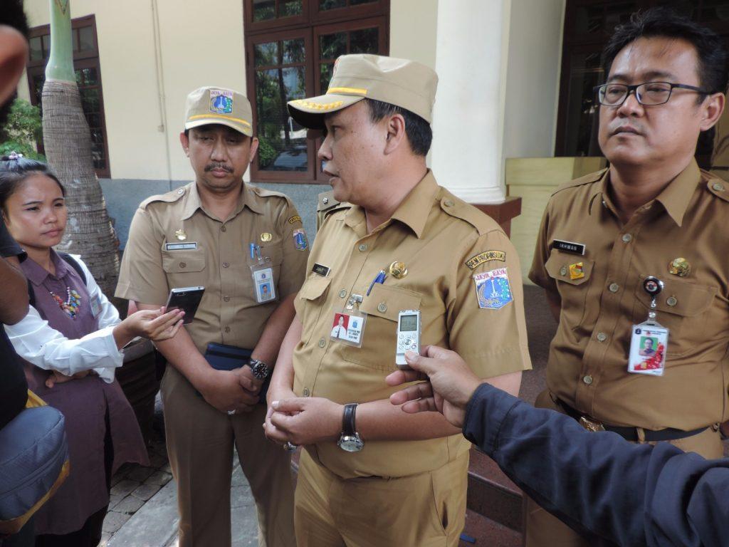 Kasudin Pajak Jakarta Selatan Johari memberikan keterangan