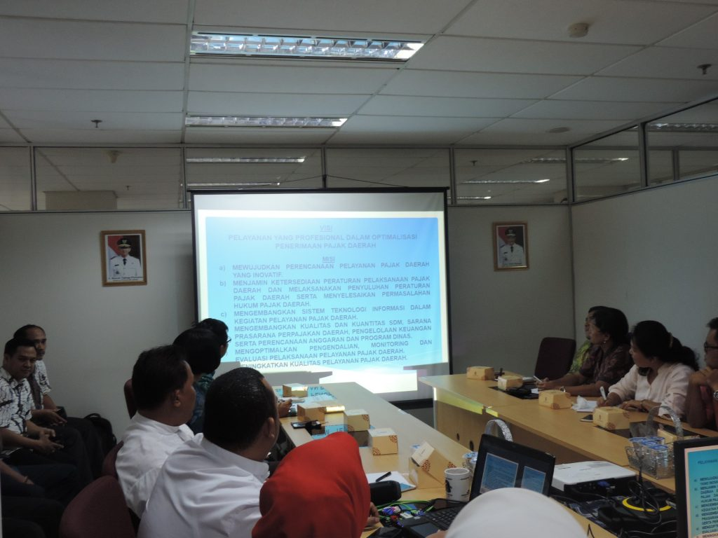 Paparan tentang pemungutan pajak daerah di Provinsi DKI Jakarta didepan Tim Pembina Samsat Provinsi Bali