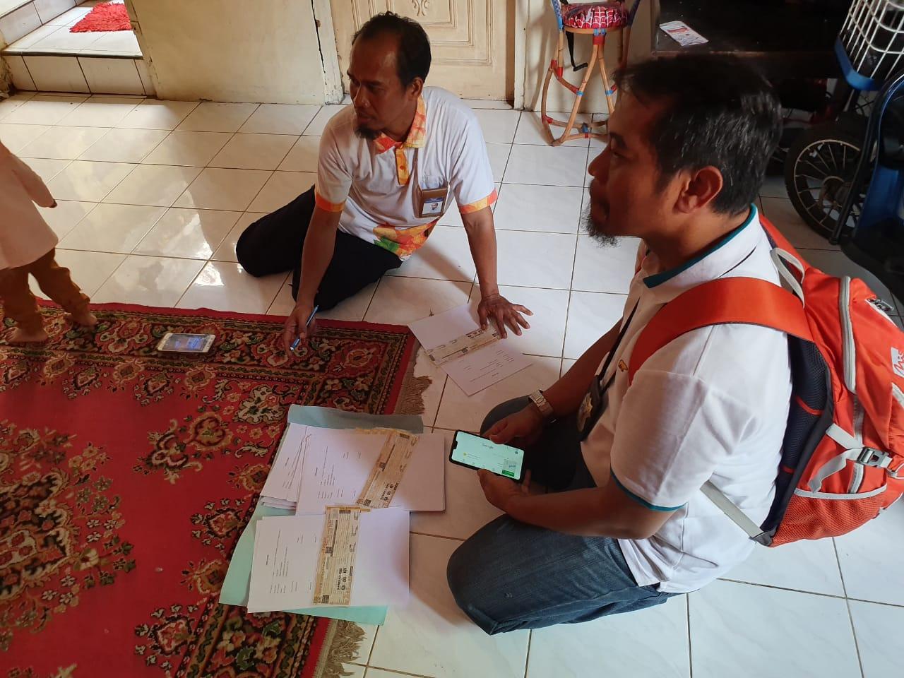 Samsat Online Nasional, Petugas Samsat Anterin STNK Pajak Kendaraan